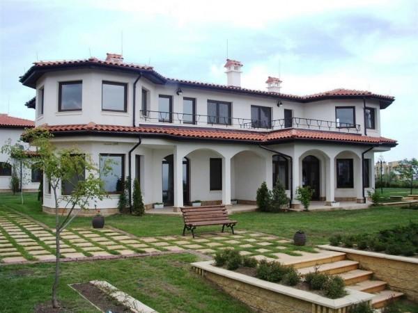 Большой дом в Болгарии