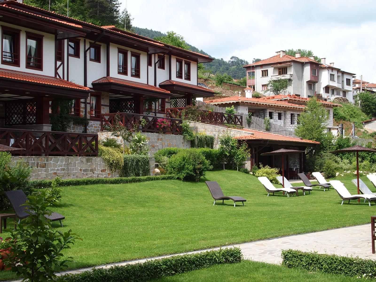 Отель в Девин